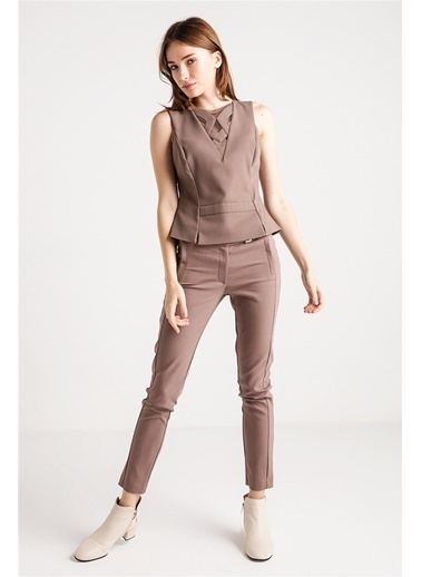 Önü Tül Üzeri Kumaş Detaylı Bluz-Love'n Fashion Paris